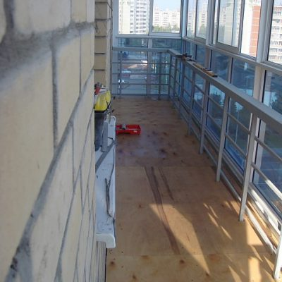 pol-na-balkone